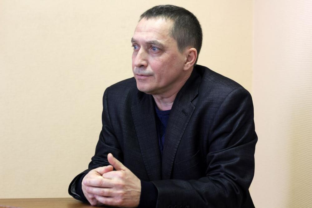 Депутат-коммунист из Ростова живет на716 рублей вдень ивладеет тремя сараями