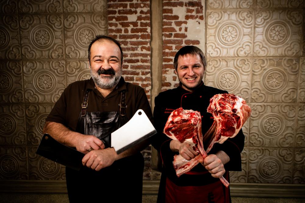«К мясу подавайте «наршараб», к рыбе — тар-тар»: рецепты вкуснейшего шашлыка от известных поваров Ростова