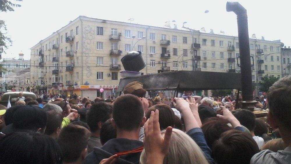 Хамское поведение ростовчан омрачило День Победы