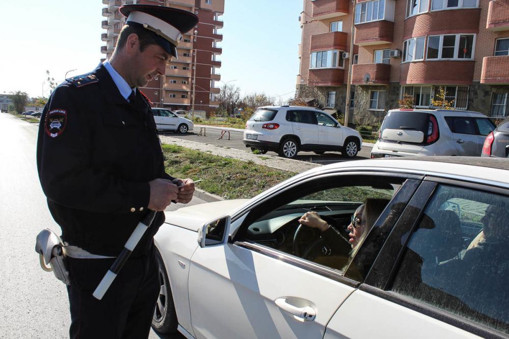 Наркодилеры, роды в машине и погони: рассказываем о буднях инспекторов ростовской ГИБДД