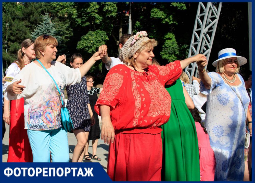 Народные игры, салют и лазерное шоу: в Ростове отметили День России