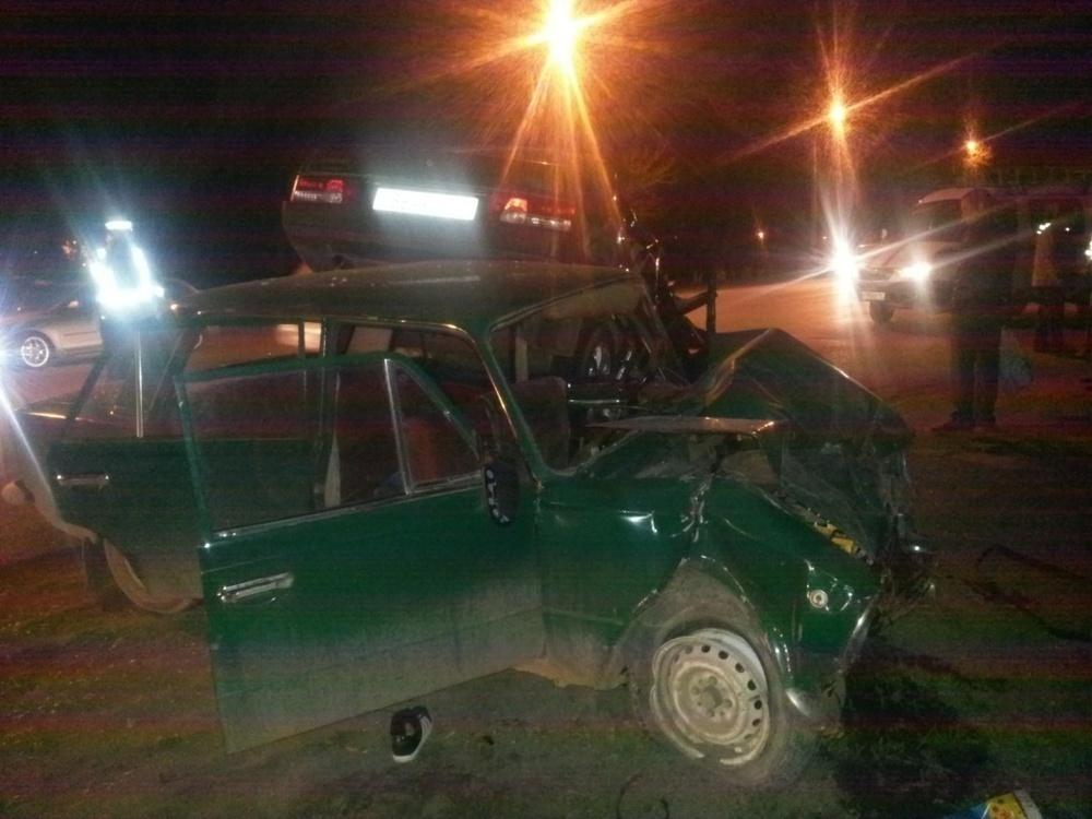 В ДТП в Аксае погибла 19-летняя девушка, еще пять человек получили травмы