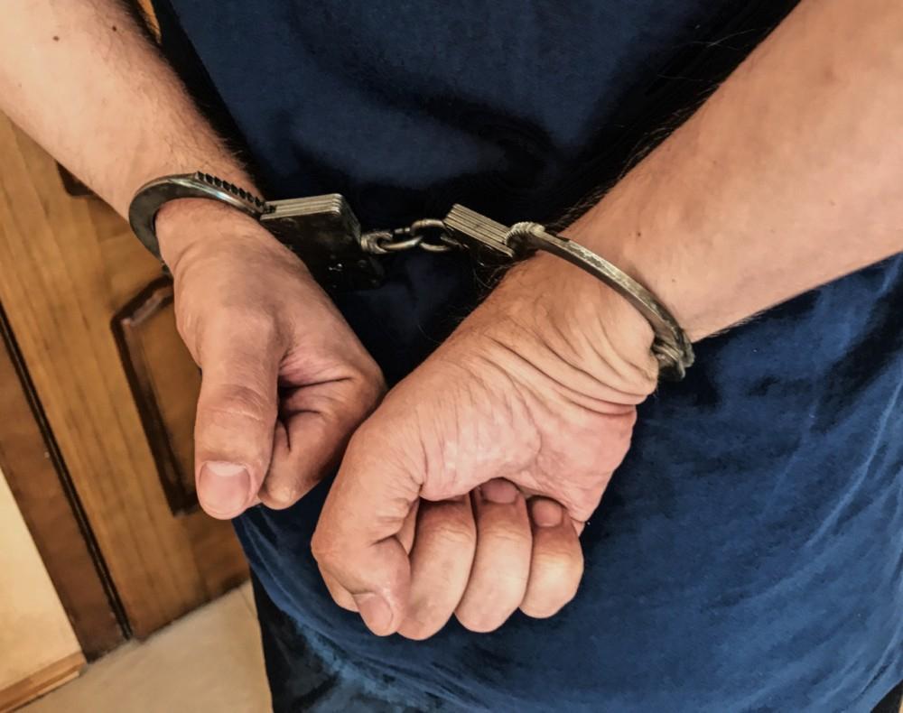 Ростовского полицейского осудили за избиение задержанного
