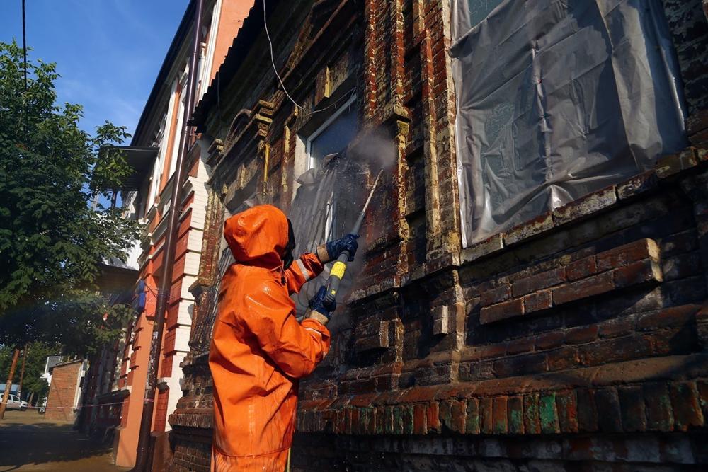 «Нельзя выкрасить Ростов вцвета Амстердама»: чиновники высказались обобщественниках, заботящихся о фасадах города