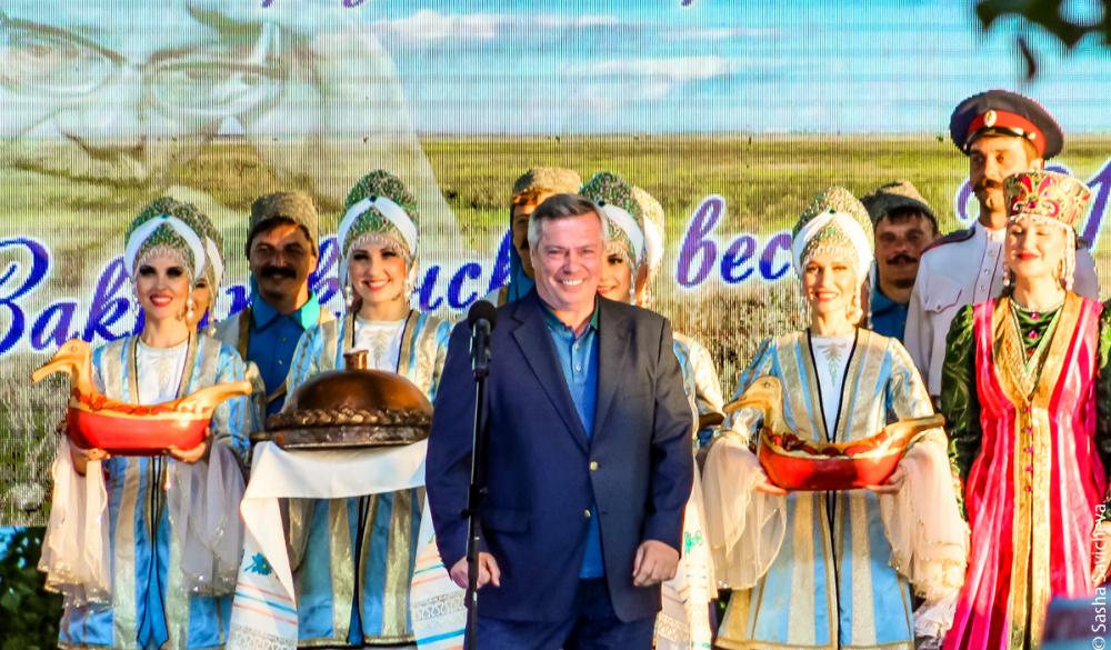 Правительство Ростовской области потратит 700 тысяч избюджета на57 хвалебных статей всети
