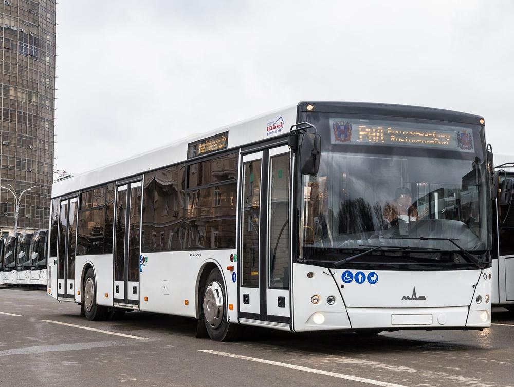 Странный тюнинг новых автобусов озадачил ростовчан