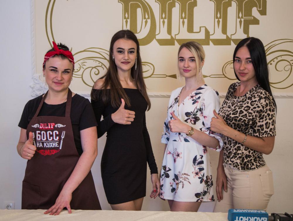 «Красота не вечна, а кушать хочется всегда»: самая вкусная окрошка помогла получить иммунитет участницам проекта «Мисс Блокнот Ростов-2019»