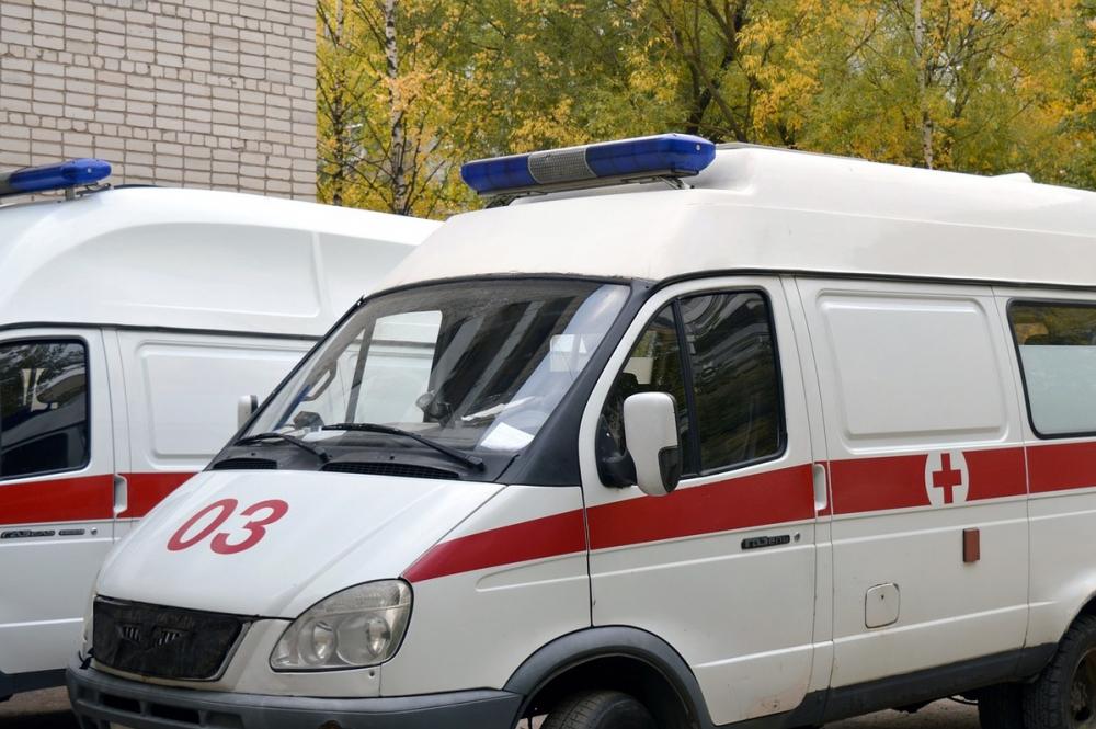 После столкновения маршрутки илегковушки вРостове вбольницу доставили пять человек