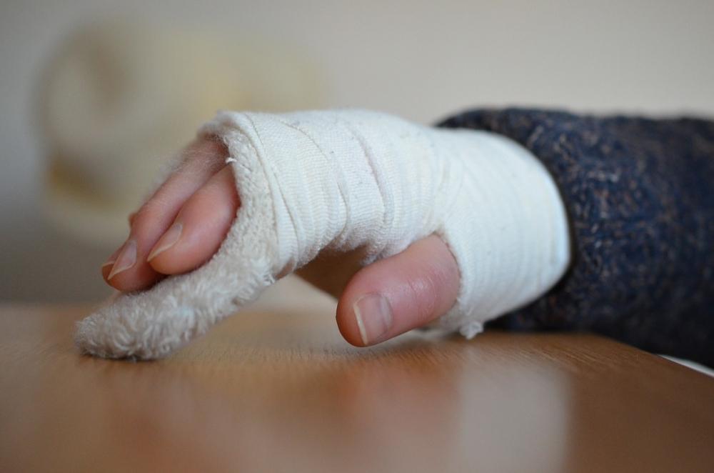 Росздравнадзор: вРостовской области ребенку ампутировали руку из-за ошибки врачей