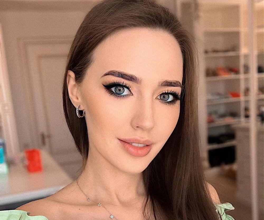 Модель Анастасия Костенко попримеру Бузовой решила стать дизайнером