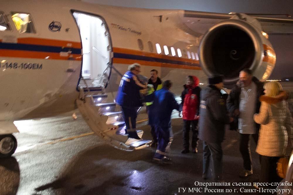 В Петербург из Ростова самолет МЧС привез на лечение новорожденного мальчика