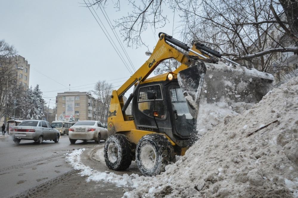 Науборку исодержание улиц Ростова потратят почти семь миллиардов рублей