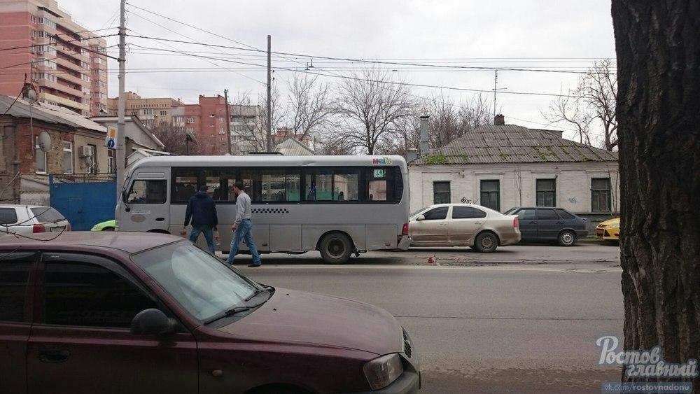 Водитель такси устроил массовое ДТП в центре Ростова