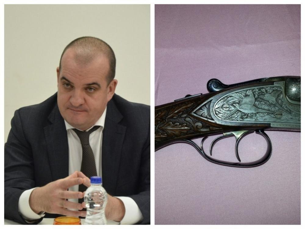Уволенный за утрату доверия ростовский чиновник судится за антикварное немецкое ружье