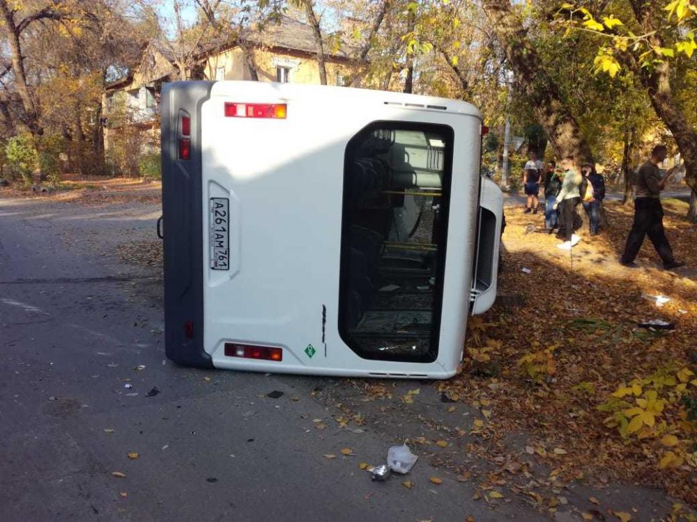 В Новочеркасске произошла авария с участием маршрутки