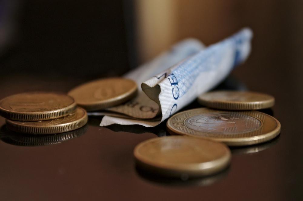 Власти пообещали повысить минимальную зарплату наДону до14,5 тысяч рублей
