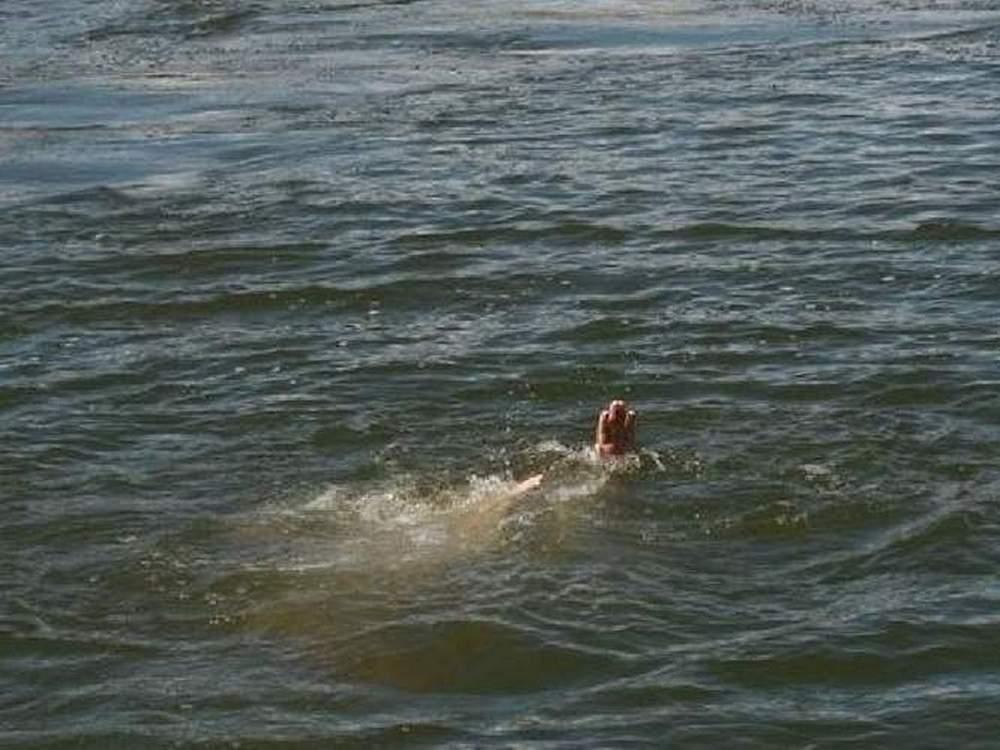 16-летняя таганроженка утонула после прыжка с понтона
