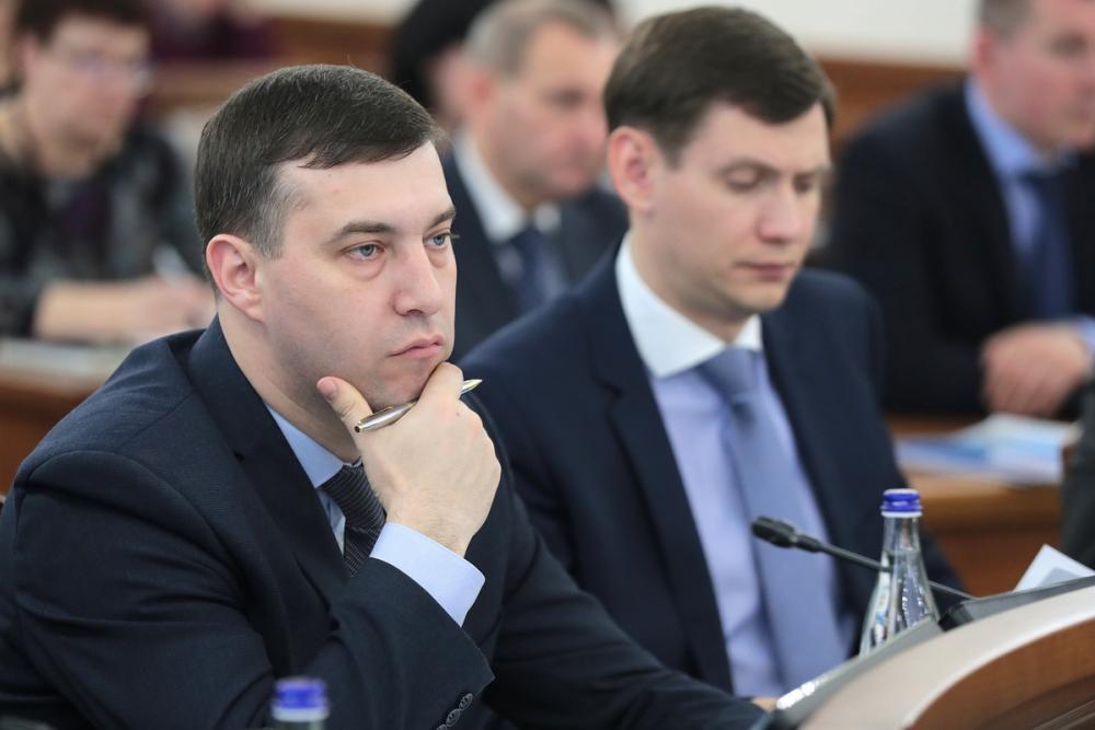 Министр природных ресурсов Ростовской области любит менять машины изарабатывает 240 тысяч вмесяц