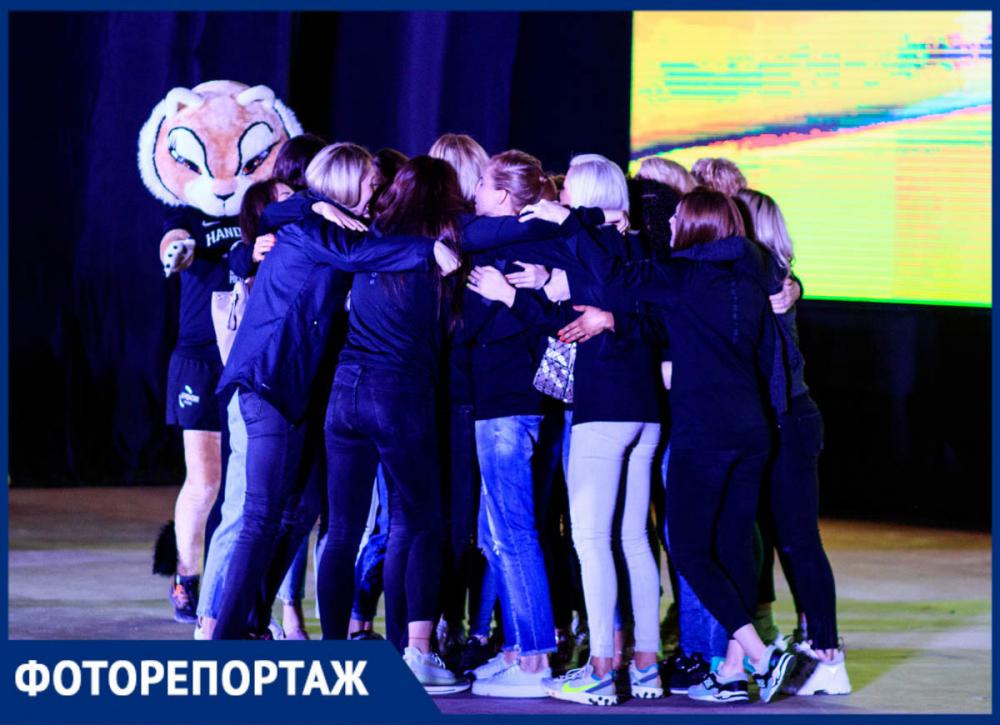 «Дальше— больше»: «Ростов-Дон» завершил сезон встречей сболельщиками