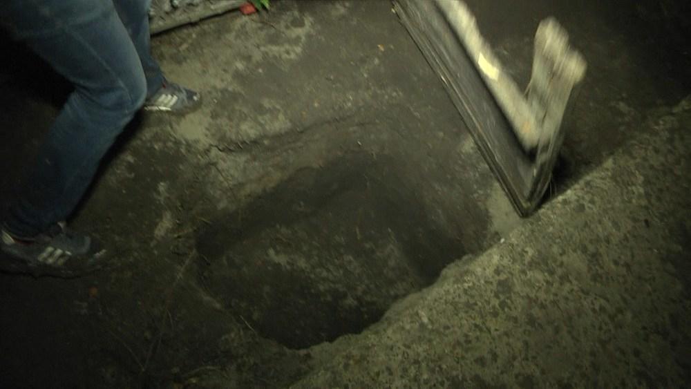 Вандалы из Украины пробрались в фамильный склеп на Северном кладбище через подкоп