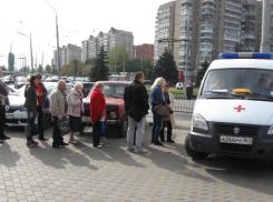 Более трехсот ростовчан пришли в мобильные пункты за прививками в минувшие выходные
