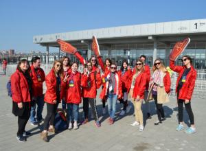 Неоценимую поддержку во время первого матча на «Ростов-арене» оказали волонтеры ДГТУ