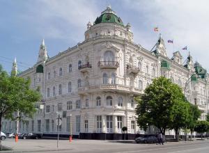 Большая Садовая - это  ростовский Невский проспект