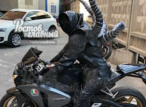 Инопланетный мотоциклист объявился на ростовских дорогах