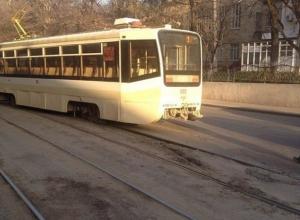 В Ростове-на-Дону рядом с парком Черевичкина трамвай сошел с рельсов