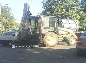Автоледи разбила BMW X6 о мощный трактор в Ростове-на-Дону