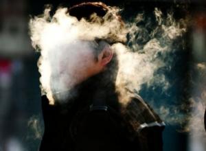 Заядлых курильщиков Ростова напугают гниющими легкими и жутким анализом крови