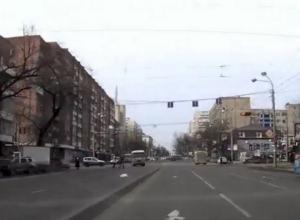 В Ростове оштрафован водитель маршрутки, проехавший на красный и едва не сбивший пешеходов