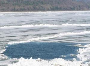 В Ростовской области утонули маленькие братья, провалившись под лед