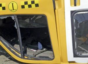 Маршрутный автобус с пассажирами перевернулся на обочину под Ростовом