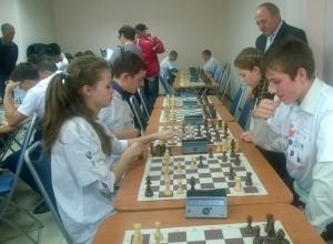 В Ростове прошел благотворительный шахматный вечер для детей с ограниченными возможностями