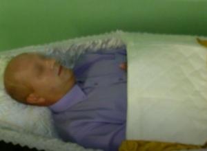 Нахапавший миллионы ростовский бизнесмен лег в гроб чтобы не возвращать долги