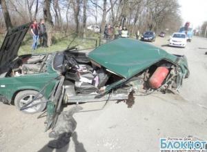 В Шахтах «ВАЗ-2107» столкнулся с «Хондой Аккорд»: водитель доставлен в больницу