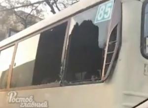 Ростовские маршрутки с вентиляцией в виде разбитых окон продолжают перевозить пассажиров