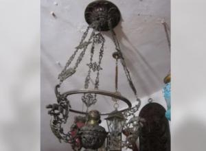 Антикварную люстру продает семья из Таганрога за 500 тысяч рублей