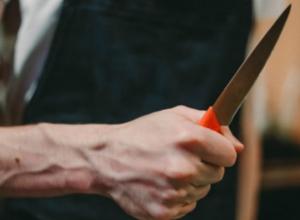 Мужчина изрешетил голову и грудь своего брата ножом в Ростовской области