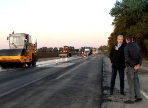 146 километров «безопасных и качественных» дорог пообещал Ростовской области к 1 ноября министр транспорта Иванов