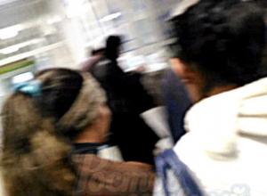 Снявшего на видео воровок в поликлинике Ростова мужчину назвали сволочью и обвинили в трусости