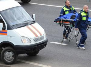 Таксист с отказавшими тормозами попал в ДТП и покалечил свою пассажирку под Ростовом
