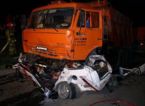 Водитель КамАЗа из Ростовской области оказался участником жуткого смертельного ДТП в Калмыкии