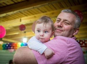 Отец малыша-инвалида в Ростове не смог добиться компенсации от роддома и умер