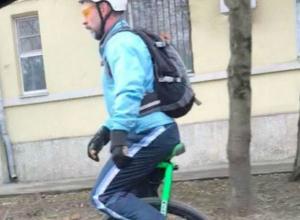Способ избежать диких пробок и вовремя добраться на работу нашел предприимчивый житель Ростова