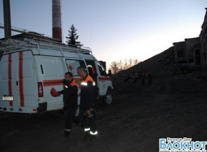 Глава донского МЧС прибыл в Донецк на место обрушения центральной обогатительной фабрики