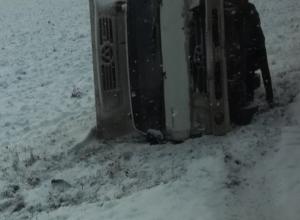 Из-за выпавшего снега сразу четыре ДТП произошло на трассе под Ростовом