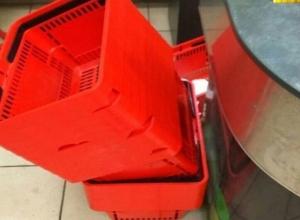 Криво поставленные в супермаркете корзины для покупок ввели ростовчанина- перфекциониста в депрессию