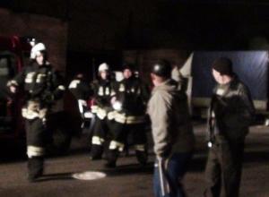 Крупный пожар в Батайске произошел в мебельном цехе компании «Донская корона»
